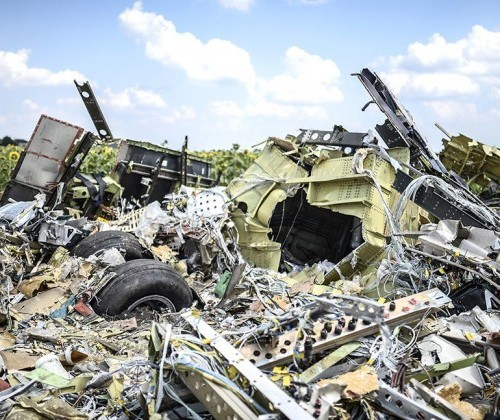 0723-MH17-wreckage-970-630x4201