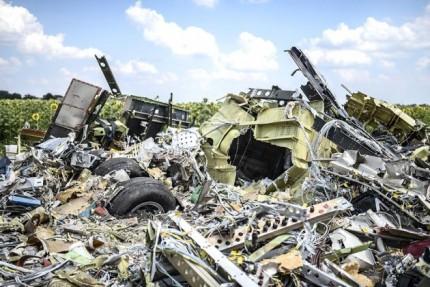 0723-MH17-wreckage-970-630x4201